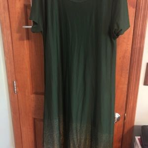 LuLaRoe XL Elegant green Carly with dipped gold